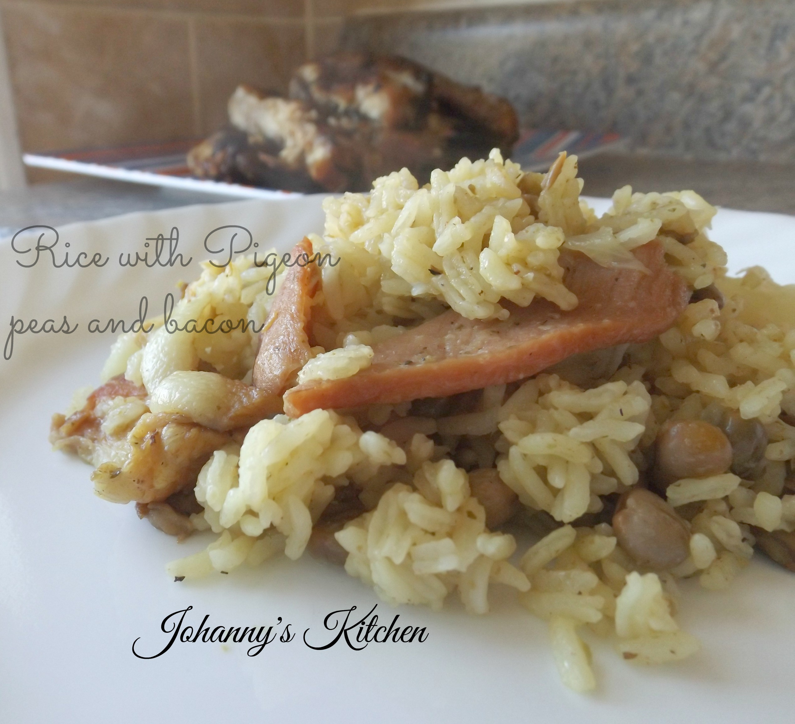 Arroz con guandules y tocineta (Rice with pigeon peas and bacon)