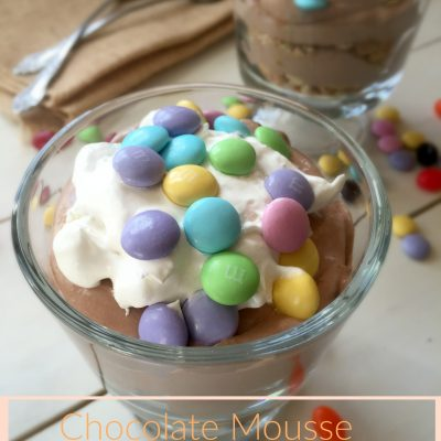 celebrate Pascua: Chocolate mousse parfait with M&M's®